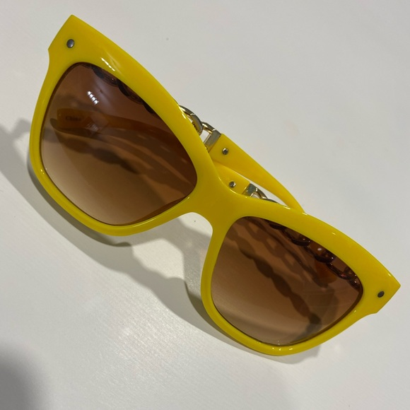 Yellow statement sunglasses